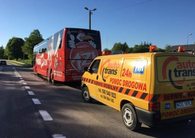 holowanie tir ciężarowe autobusy